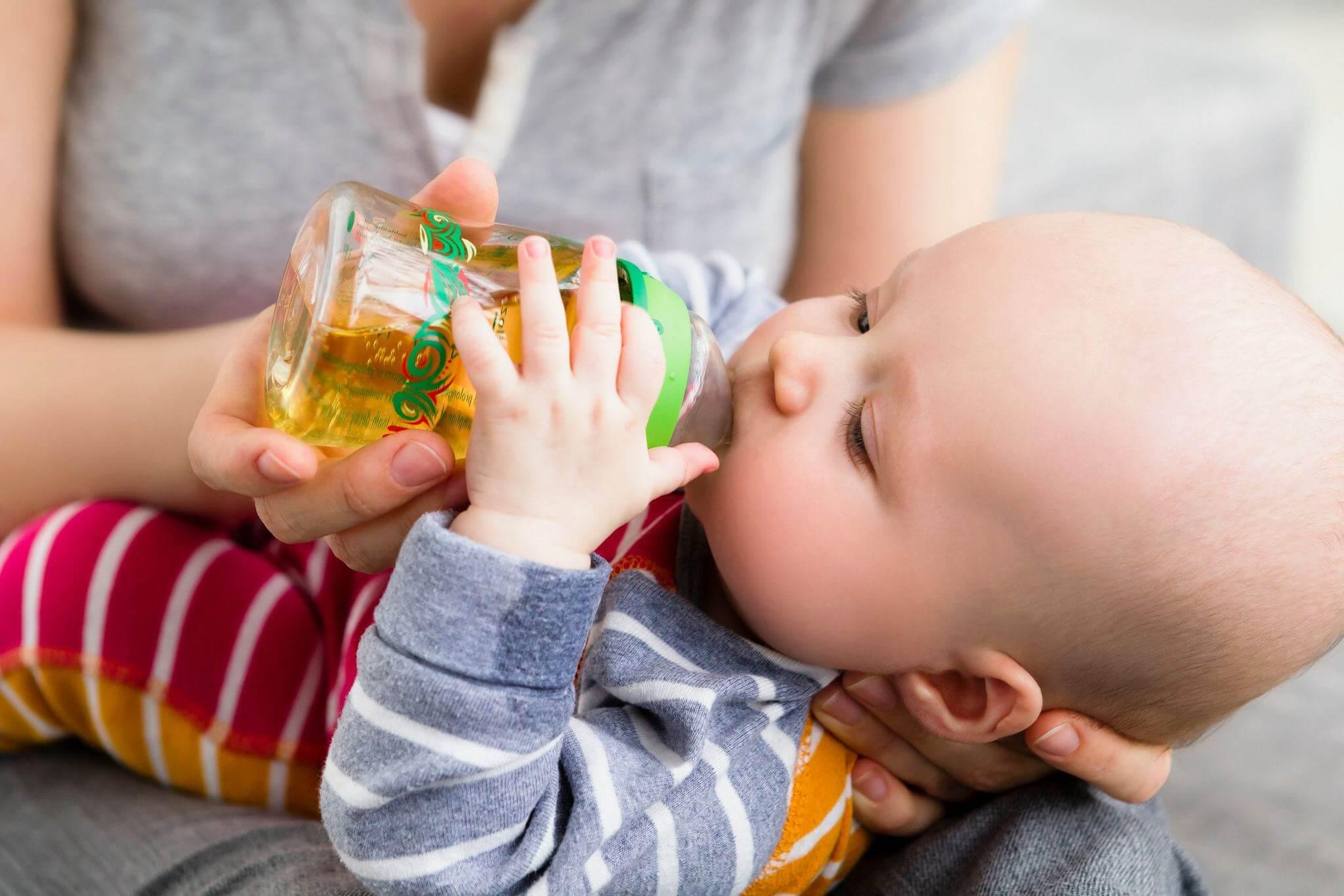 Когда и какие соки можно давать грудничку. Когда лучше давать ребёнку сок, какой и сколько: полезные советы