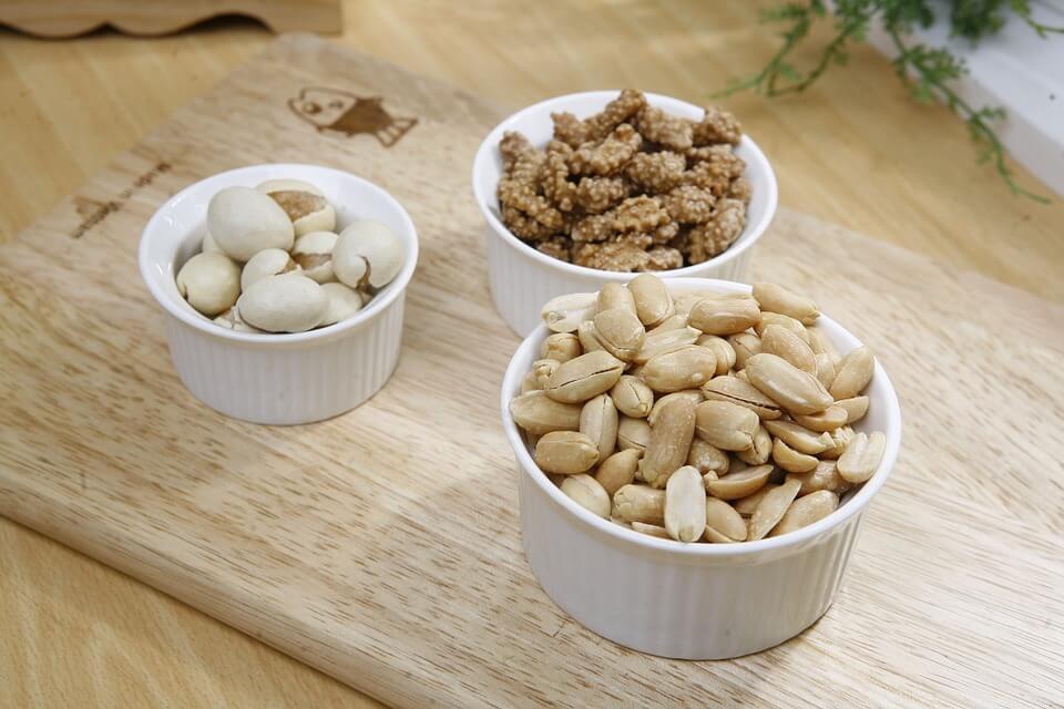 можно ли кормящей маме кедровые орехи