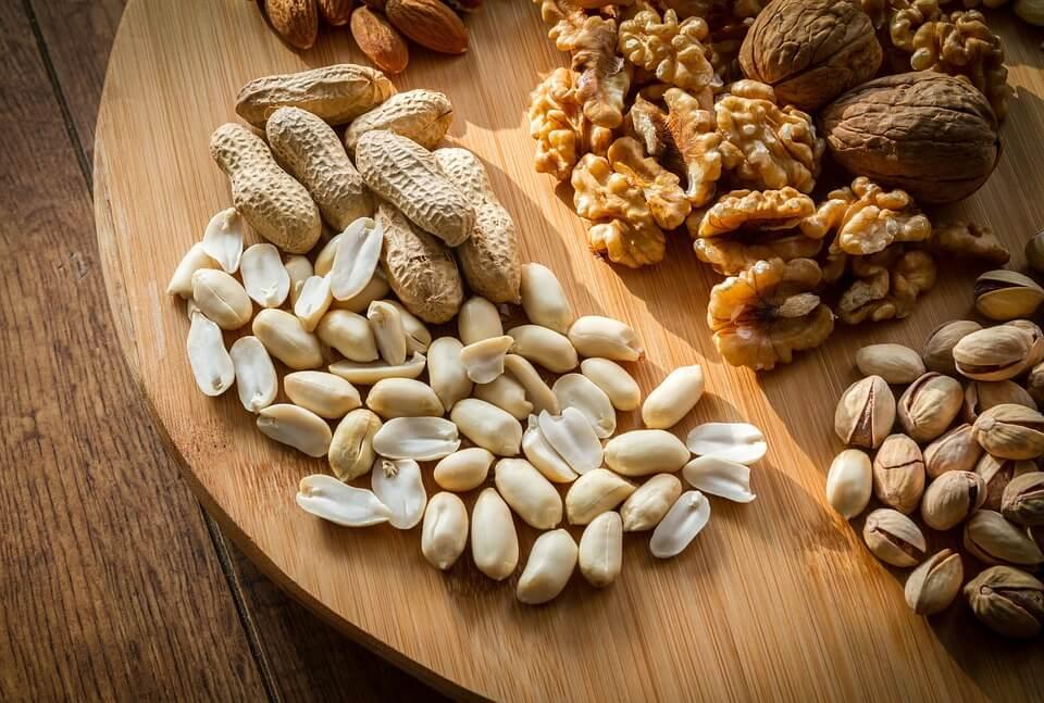 польза орехов для детей