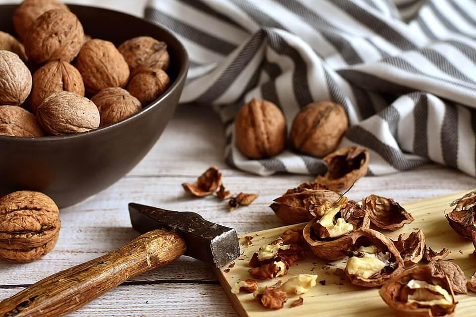 польза грецких орехов для детей