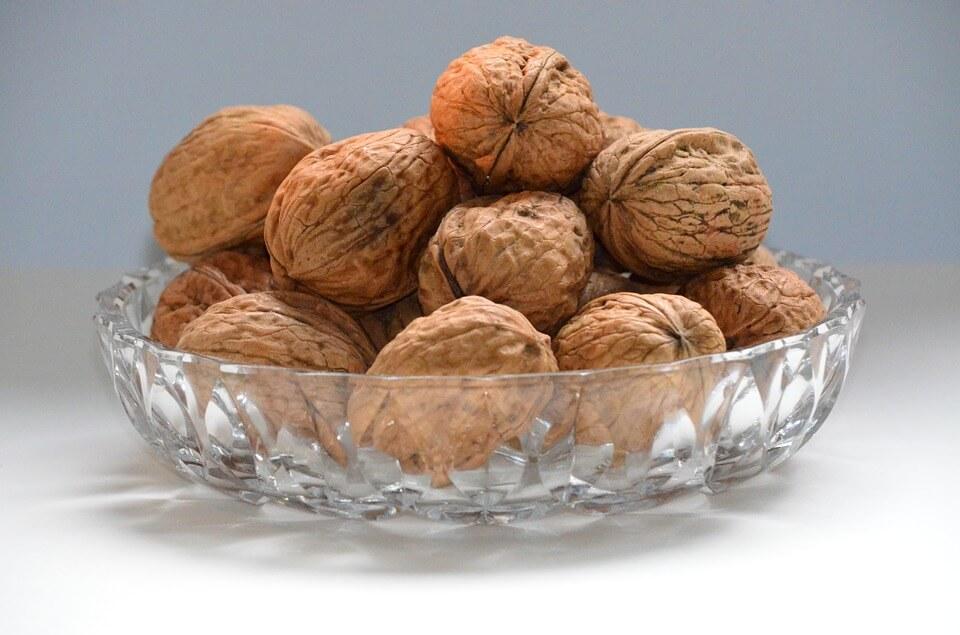 можно ли детям грецкие орехи