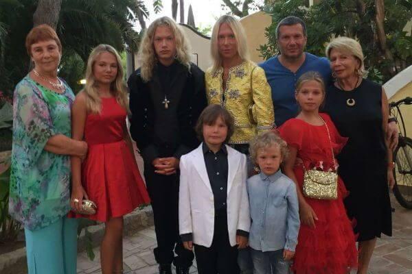 дети владимира соловьева фото