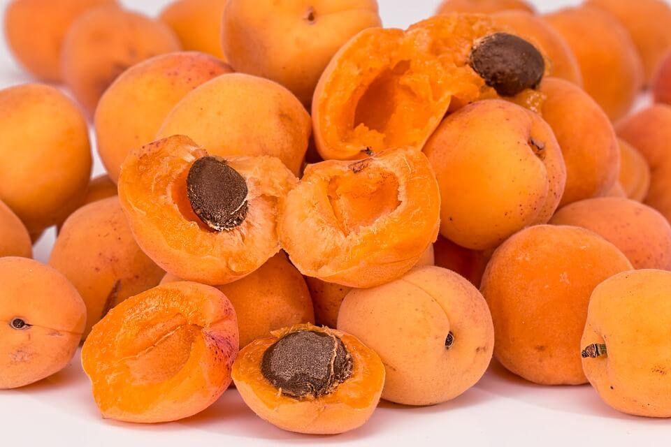 ребенок проглотил косточку от абрикоса