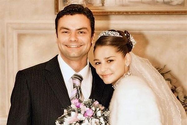 тарханова с мужем и детьми