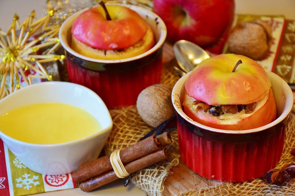 запеченное яблоко для детей