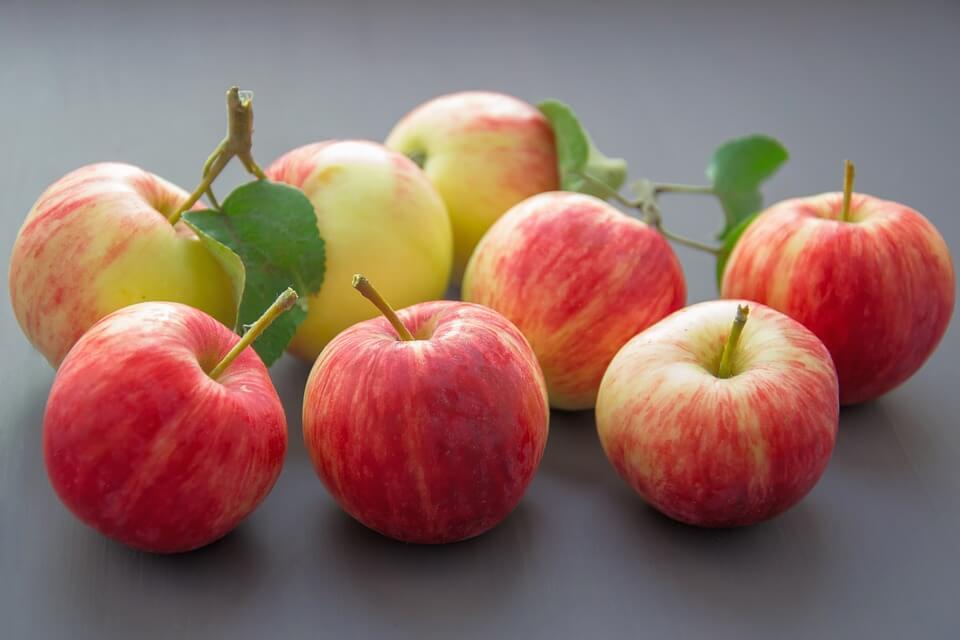 можно ли ребенку яблоко