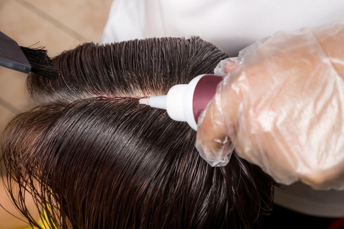 можно ли красить волосы беременным женщинам