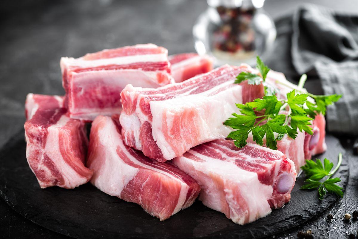 мясо свинина ребенку