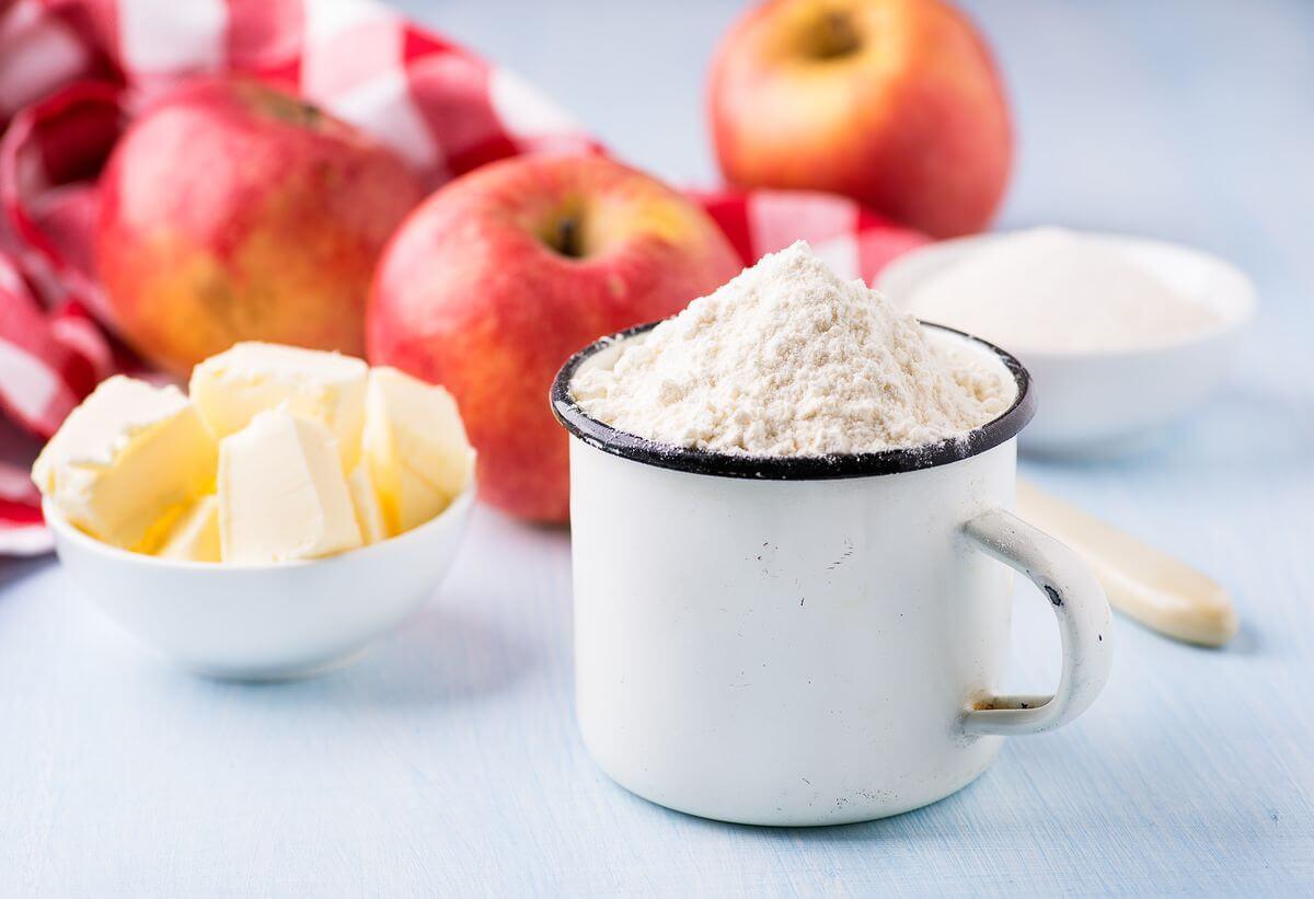 шарлотка с яблоками для детей