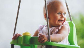 Зачем стригут детей: когда и как правильно это делать
