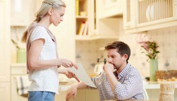 «Ты нажёг в этом месяце больше света!» Раздельный бюджет — это вообще семья?