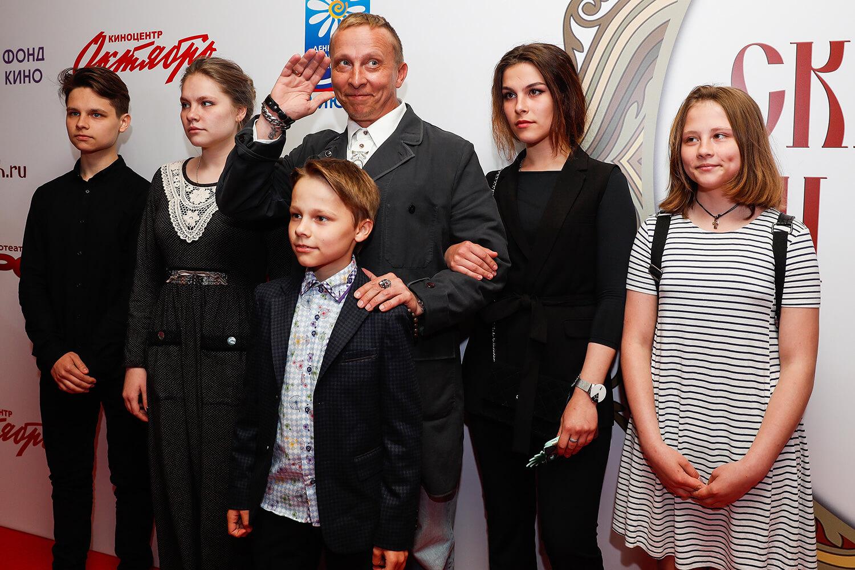 иван охлобыстин и его семья фото только