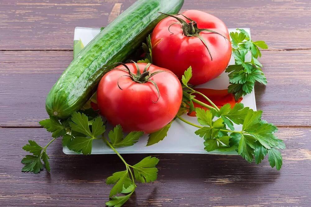 Картинки помидор огурцов