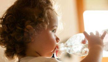Минералка детям: можно или нет, с какого возраста
