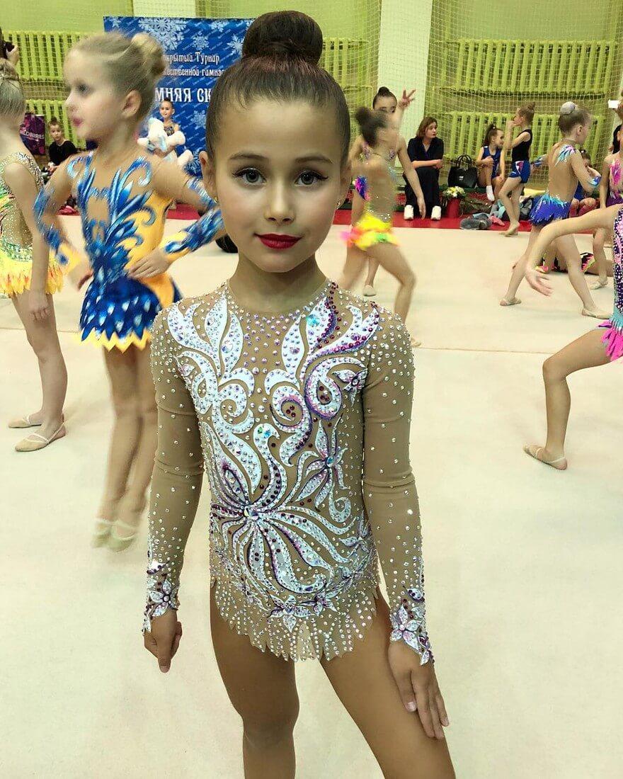 дочь джигана ариэла гимнастка