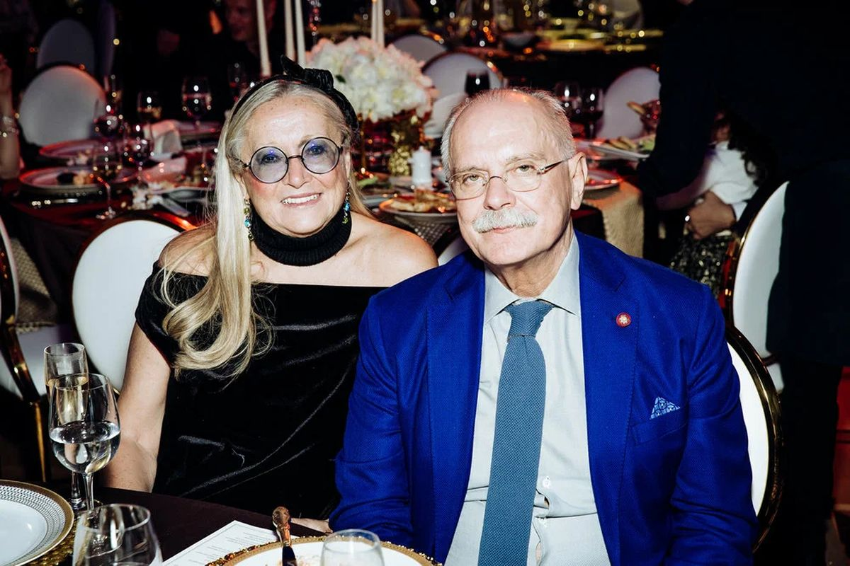 михалков с женой