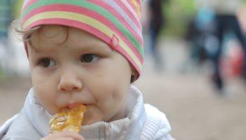 Комаровский рассказал, как кормить ребенка, если он приболел