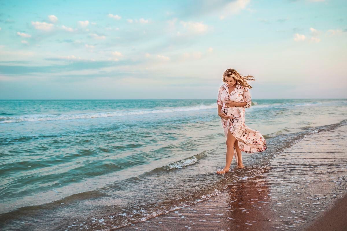 можно беременным загорать животом