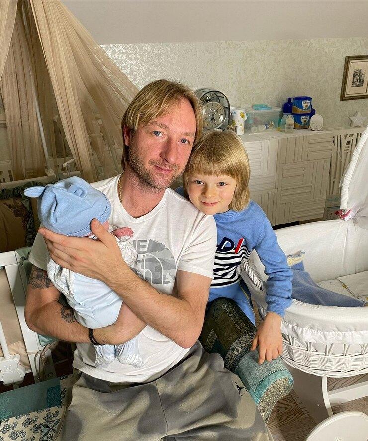 рудковская показала детскую новорожденного сына