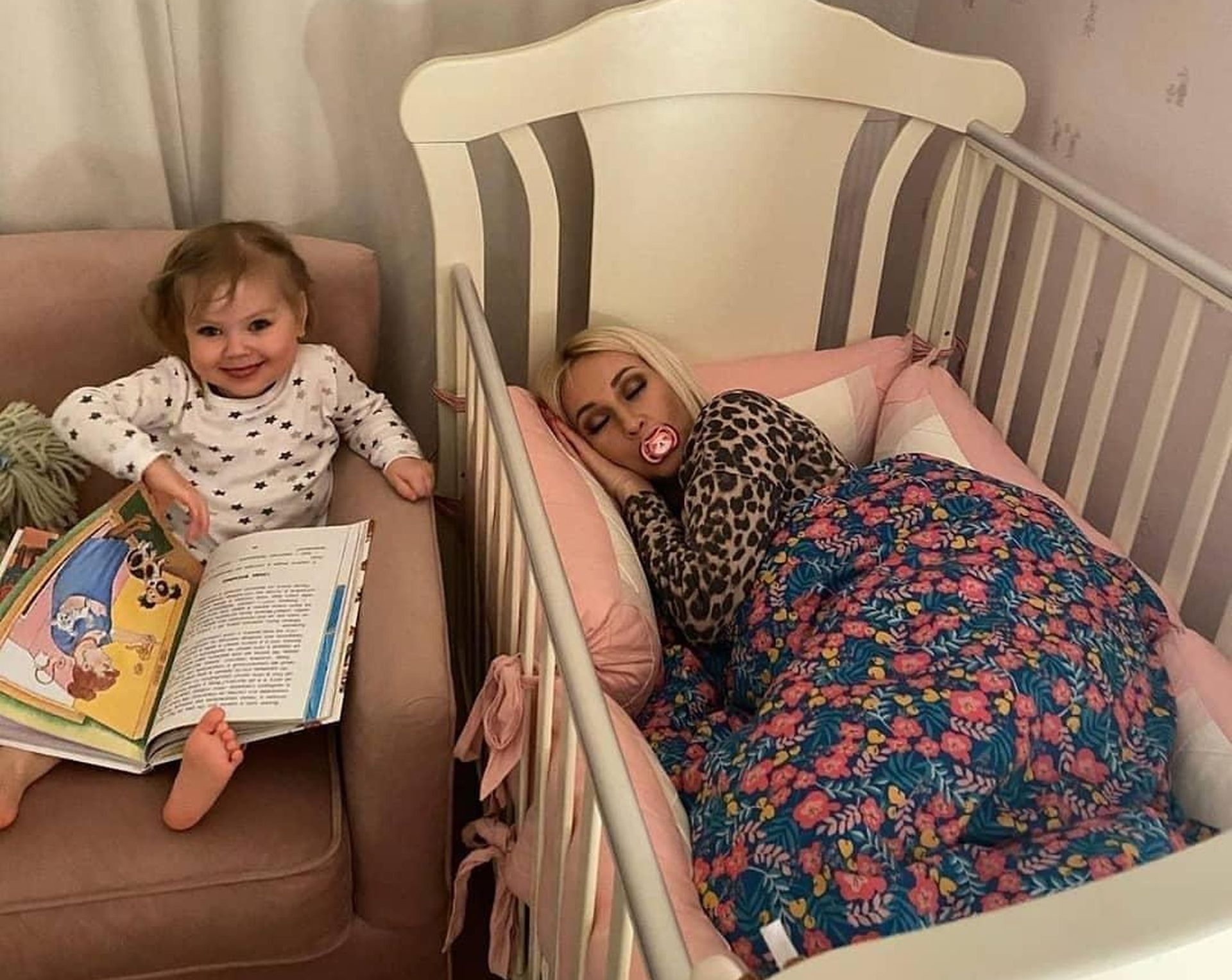лера кудрявцева поделилась фото с дочкой