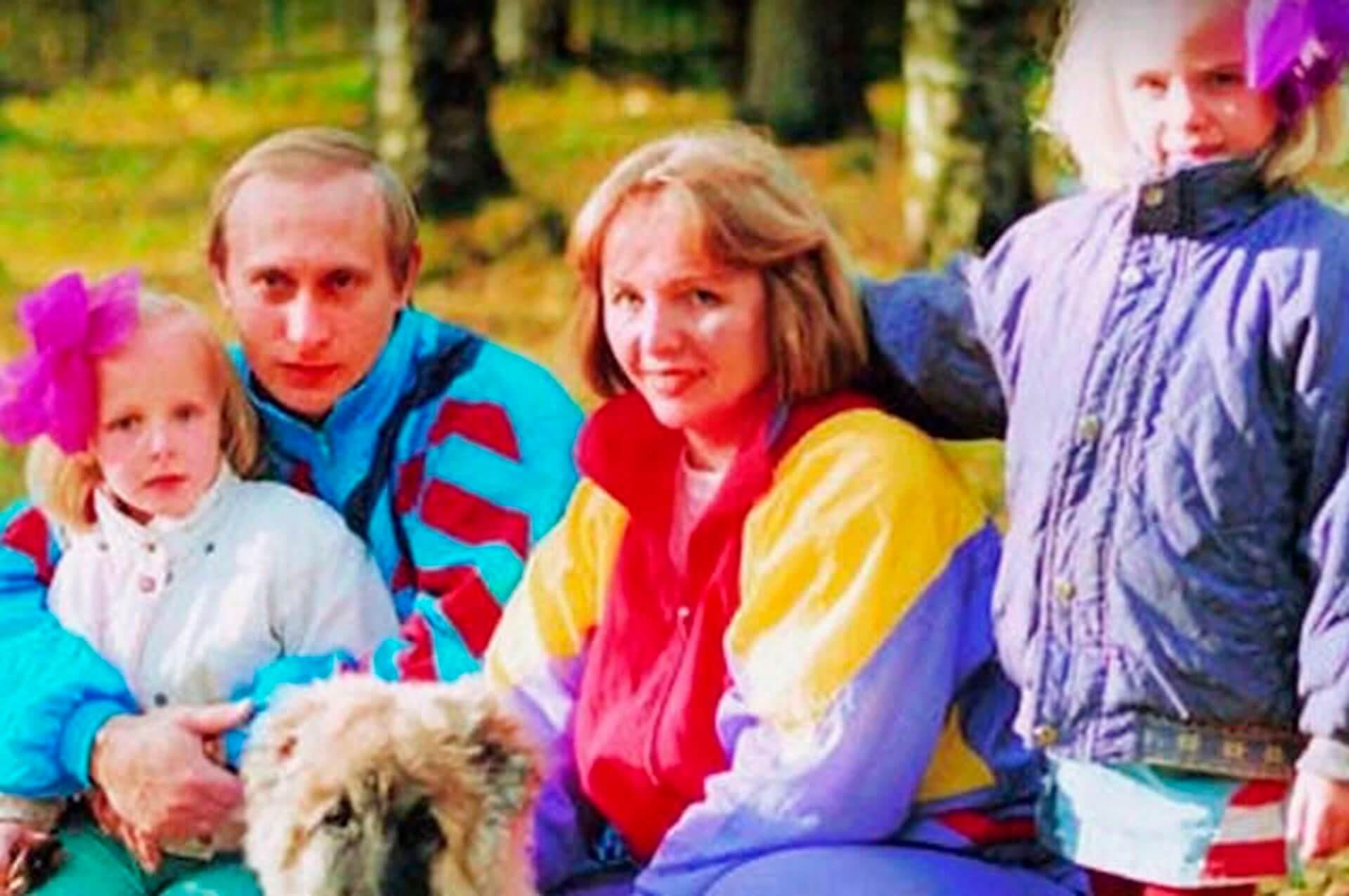 президент с женой и дочерьми